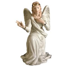 Lenox Christmas Classic Nativity Collection Angel kneeling Porcelain Figurine 1995