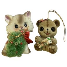 Josef Originals Fuzzy Wuzzy Flocked Bear and Cat Christmas Wreath