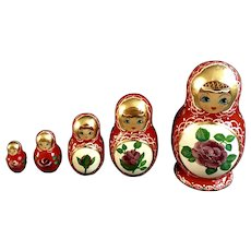 Vintage Matryoshka Babushka Nesting Russian Dolls Hand Painted Signed 5 Pieces