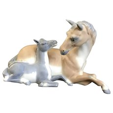 Franklin Mint Horse and Her Colt Tenderness Figurine By Paul Ipsen