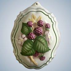 1986 Le Cordon Bleu Raspberries Kitchen Mold Porcelain Pottery Wall Decor