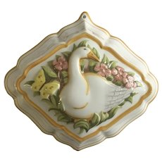 1986 Le Cordon Bleu Goose Kitchen Mold Porcelain Pottery Wall Decor