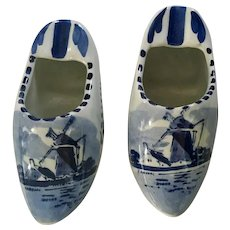 Delft Blue Dutch Shoes Ashtrays Windmills 4.25 Inch