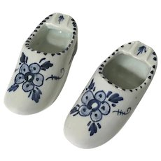 Delft Blue Dutch Shoes Ashtrays Floral 3 Inch