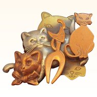 Vintage Dimensional Collage Style Group of Tri Color Metal Cats Brooch