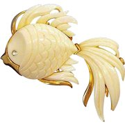 Vintage Monet Large 3-Dimensional Thermoset Plastic Angelfish Brooch