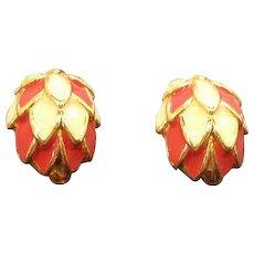 Vintage Scalloped Dimensional Domed Enameled Clip on Earrings