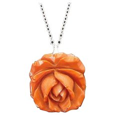 Vintage Carved Butterscotch Bakelite Rose Pendant on Silvertone Metal Chain