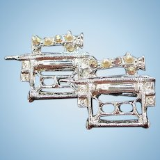 Vintage Old Style Sewing Machine Scatter Pins