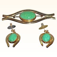 Vintage Goldtone Metal  Green Glass Cabochon  Brooch & Dangle Pierced Earring Set
