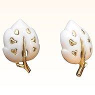 Vintage Sarah Coventry White Velvet Leaf Shaped Goldtone Metal Clip On Earrings