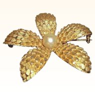 Vintage BSK Dimensional Textured Goldtone Metal Flower Brooch Imitation Pearl Center