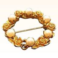 Vintage Lisner Goldtone Metal Roses & Imitation Pearls Circle Pin