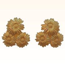 Vintage Monet Goldtone Metal Trio Of Daisy Flowers Clip on Earrings