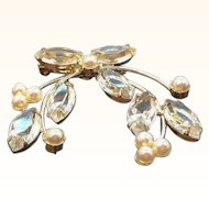 Vintage Marquise Shaped Unfoiled Stones Imitation Pearl Brooch