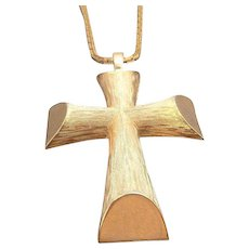 Vintage Avon Sculpted Dimensional Goldtone Cross Pendant Necklace