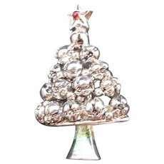 Vintage Dimensional Silvertone Metal Christmas Tree Pin