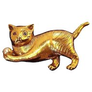 Vintage Textured Goldtone Metal Cat Pin with Imitation Pearl Ball