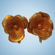 Vintage Coro Dimensional Goldtone Flower Clip On Earrings