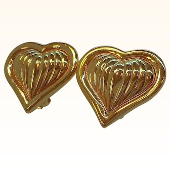 Vintage Alana Stewart  Shiny Textured Goldtone Heart Clip on Earrings