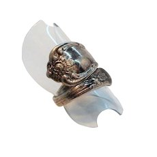 Vintage Textured Roses Oneida Silvertone Metal Spoon Ring