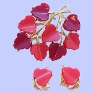 Vintage Pink Purple Scalloped Thermoset Plastic Brooch Clip On Earring Set