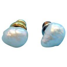 Vintage Goldtone Metal Genuine Fresh Water Pearl Pierced Earrings