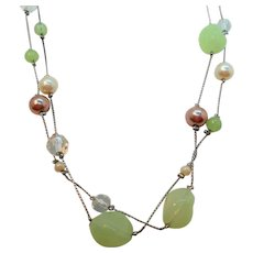 Long Single Strand Silvertone Green Lucite Imitation Pearl Beaded Necklace