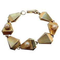 Shiny Textured Goldtone Imitation Pearl Bracelet