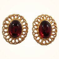Oval Red Glass Cabochon Stone Scalloped Goldtone Clip on Earrings