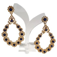 Bold Large Textured Goldtone Flower Designs Blue Cabs Dangle Pierced Earrings