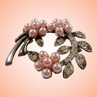 Pink Imitation Pearls Floral Silvertone Rhinestone Pin