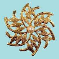 Textured Goldtone Swirled  Pinwheel Leaves Imitation Pearl Brooch