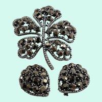 Weiss Metallic Rhinestones Leaf Shaped Brooch Clip on Earring Set