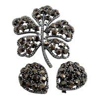 Weiss Metallic Rhinestones Shamrock Leaf Brooch Clip on Earring Set