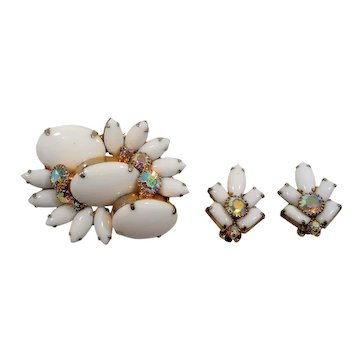 Dimensional Large Stones White Milk Glass Brooch Earring Set