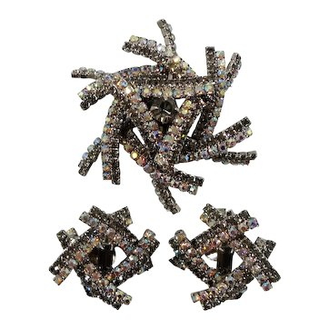 Dimensional Abstract Geometric Designs Rhinestone Brooch Earring Set