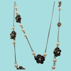 Long Single Strand Necklace Textured Goldtone Roses Rhinestones Imitation Pearls