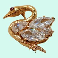 Dimensional Marquise Shaped Cubic Zirconium Swan Brooch