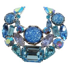 Weiss Outstanding Large Shades Of Blue Art Glass Rhinestone Brooch