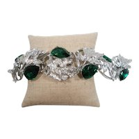 Large Emerald Green Pear Shaped Rhinestones Textured Silvertone Bracelet