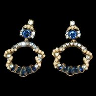 1953 HOLLYCRAFT Gold Tone Round drop sparkling Blue w Pearl Dangle Clip Earrings