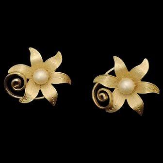Fancy Flower with pearl Screw on Earrings by STAR – 1960's