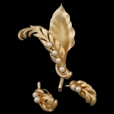 Vintage Cultured Pearls Pin and Clip on Earring Set By Brookcraft Vintage