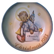 "1983 SCHMID Christmas Collector Plate by Berta Hummel ""Angelic Messenger"""