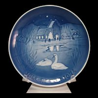 Bing & Grondahl Blue and White 1974 Christmas in the Village Plate Signed and #'d 9074