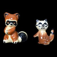 Twin Winton Rare Raccoon Pottery 1930's figurine original Signed