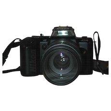 Nikon N4004s 35mm SLR Camera AF Nikkor 70-210 mm 1:4-5.6 Lens Original Nikon Strap & UV Filter