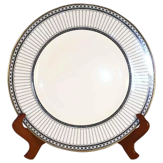 "Pair Of Bone China 10 3/4"" Dinner Plates 2"" Rim Wedgwood Colonnade W4340"