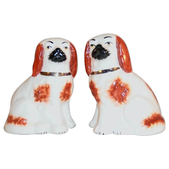 Antique Pair Staffordshire Porcelain Sitting Spaniels Dogs Burnt Orange on White